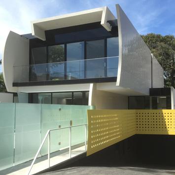 Brighton House One - Driveway